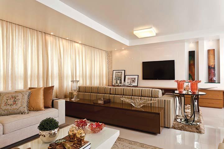 #474316 Tecto Notícias Traço Três Arquitetura e interiores 720x480 píxeis em Ambientes De Sala De Estar Jantar Modernos E Sofisticados